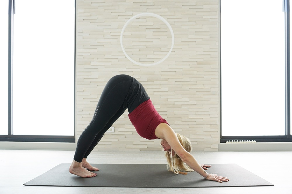 downward facing dog pose _ everykind blog